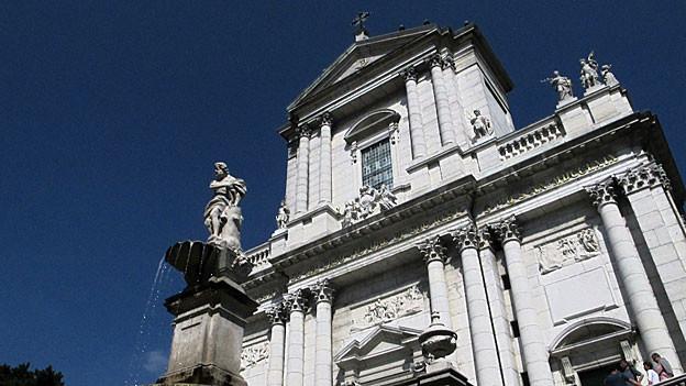 Gedeon auf dem Brunnen ist nicht Gedeon sondern Samson: Solothurner Denkmalpflege hat den Fehler nach Jahrhunderten bemerkt.