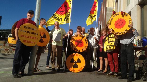 Seit zwei Jahren gehört Heini Glauser (ganz links) zur Mahnwache vor dem Nuklearinspektorat Ensi.