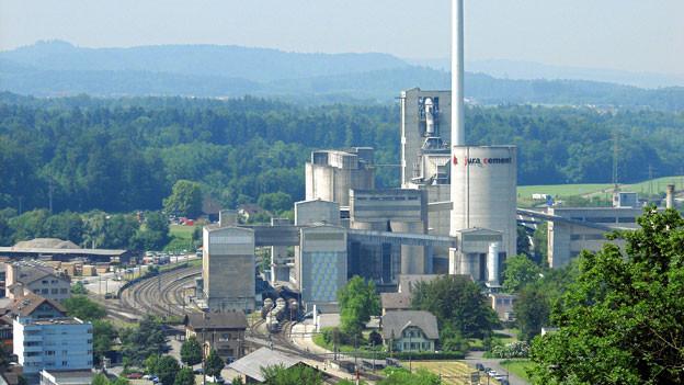 Die Jura Cement in Wildegg hat heute zusammen mit dem Kanton Aargau über mögliche neue Abbaugebiete informiert.