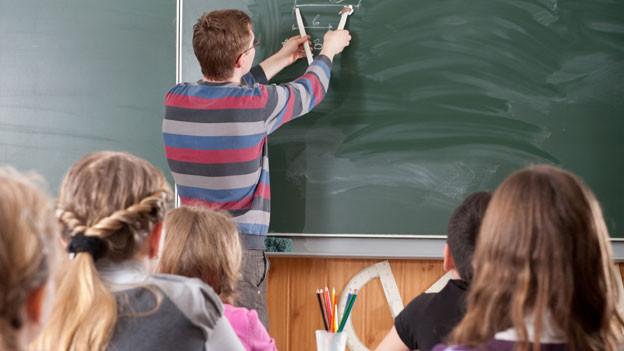 Ab 2016 sind die Unterrichtsräume im neuen Schulhaus Zehntenhof in Wettingen fertig, so der Plan (Symbolbild).