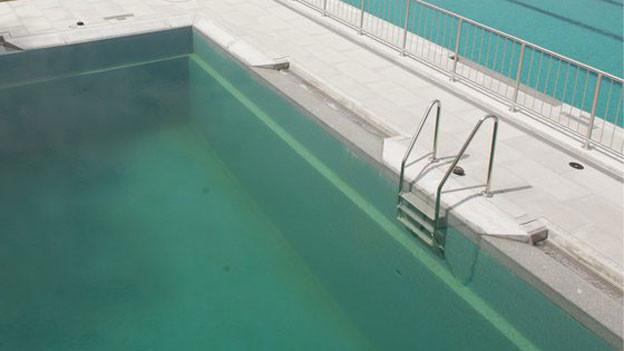 Badi Grenchen bleibt nach Chemieunfall geschlossen. (Symbolbild)
