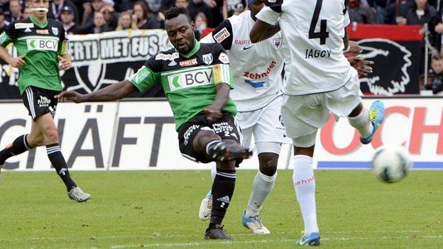 Feinduono schiesst für Lausanne ein Tor gegen Aarau