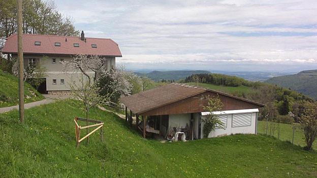 Es ist die allerletzte Chance für die Bergschule Brunnersberg: Der Gang vors Bundesgericht. Mehrere Familien wagen nun diesen Schritt und kämpfen für die letzte Bergschule im Kanton Solothurn. Dafür haben sie sich jetzt einen Anwalt genommen.