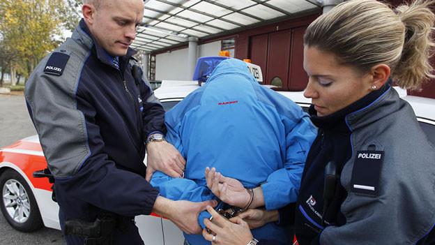 Die Kantonspolizei und die Stadtpolizeien arbeiten nicht immer optimal zusammen.