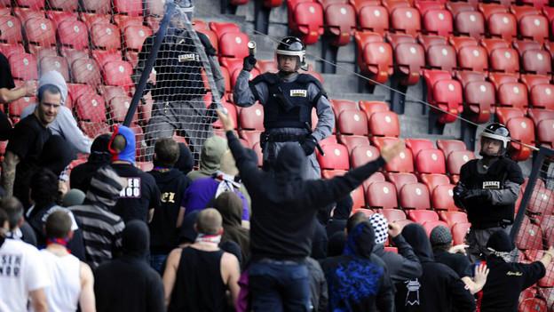 Der Kanton sei zwar kaum betroffen, dennoch befürworten die Parlamentarier die Verschärfung des Hooligan-Konkordats.