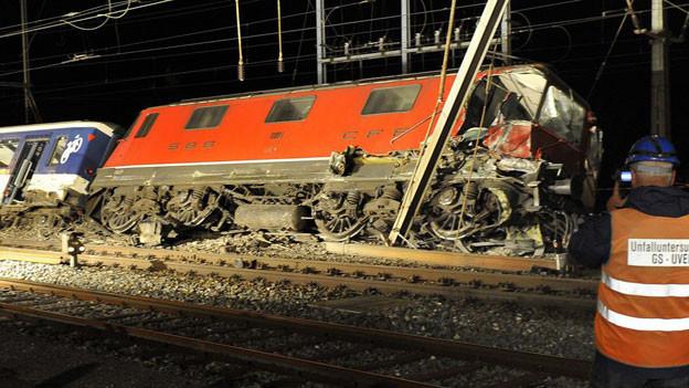 Entgleister Zug nach der Kollision in Olten. Der Lokführer wurde nun zu einer bedingten Geldstrafe verurteilt.