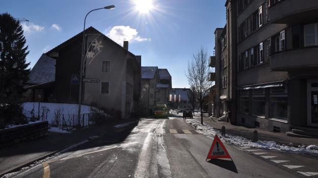 Spielte die Sonne eine Rolle bei der Kollision? Die Polizei ermittelt und sucht Zeugen.