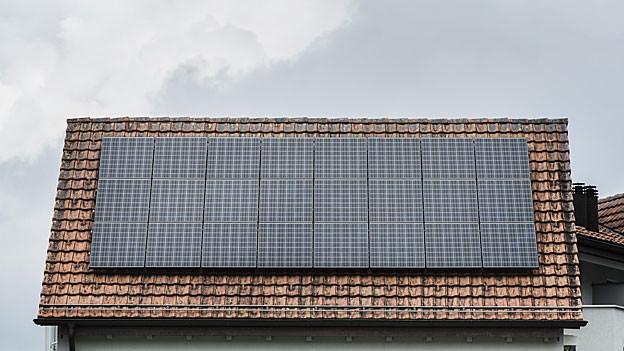 Hat ein Dach, ein Haus Potenzial für Sonnenenergie? Eine neue Aargauer Karte liefert Antworten.