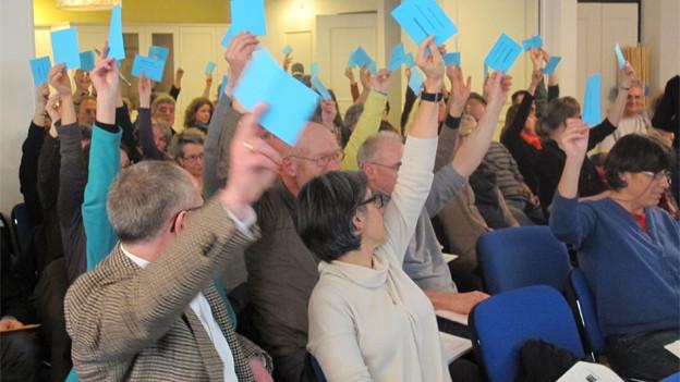 Aargauer Lehrer drohen mit Referendum und Demonstration.