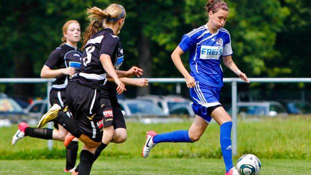 Ex-Fussballerin Aurelia Meier engagiert sich im Kampf gegen Homophobie im Sport.