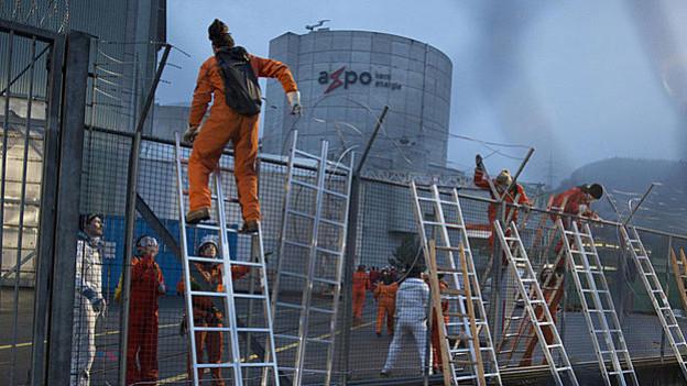 Greenpeace-Aktivisten beim AKW Beznau