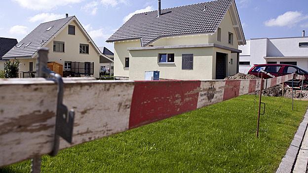 Häuser im Bau.