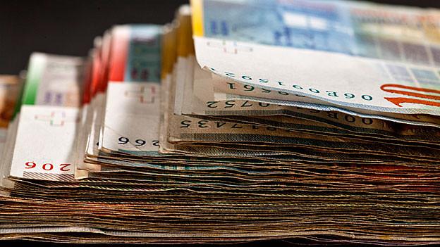 Die viertgrösste Aargauer Gemeinde hat ein Budget fürs 2014. Der Steuerfuss bleibt ein Diskussionspunkt.