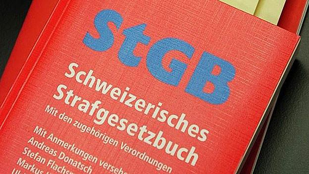Bei Polizeibefragungen gilt das Anrecht auf einen Anwalt. Im Kanton Solothurn streitet man über den Pikettdienst dafür.