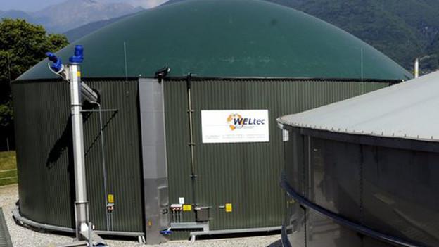 Charakteristisch für Biogasanlagen: Das Gärsilo.