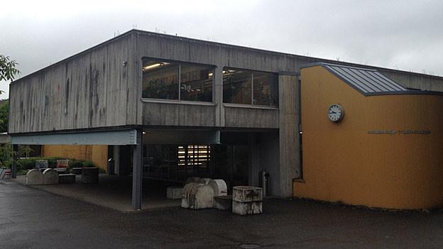 Das Schulhaus «Pfaffechappe» in Baden (Sek/Real), eines von vielen sanierungsbedürftigen Schulgebäuden in Baden.