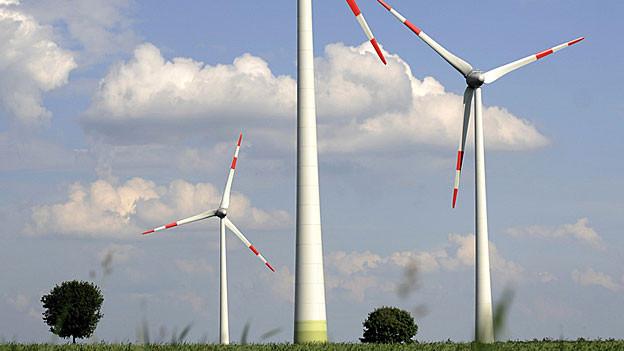 Der Aargau muss sich für oder gegen die Windkraft entscheiden.