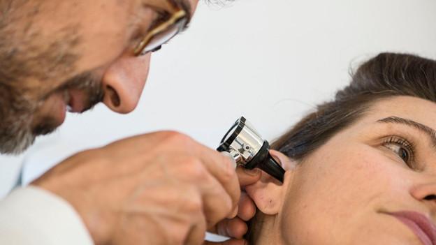 Junge Ärzte erhalten mit Praktika Einblicke in den Beruf Hausarzt.