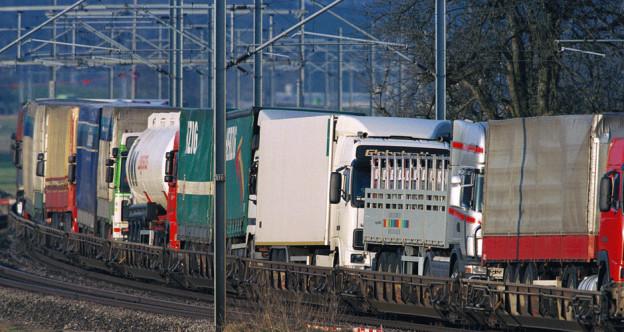 LKWs auf Schiene
