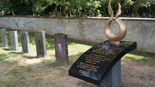 Der Gedenkstein auf dem jüdischen Friedhof in Endingen wurde am Sonntag eingeweiht. Als Erinnerung an den Holocaust