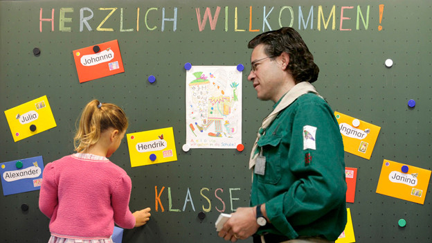 Wie hier in der Bildmontage soll es in den Aargauer Schulen Realität sein.