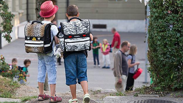 Mit dem Ende der Sommerferien beginnt im Aargau für rund 71'000 Schülerinnen und Schülern wieder die Schule.
