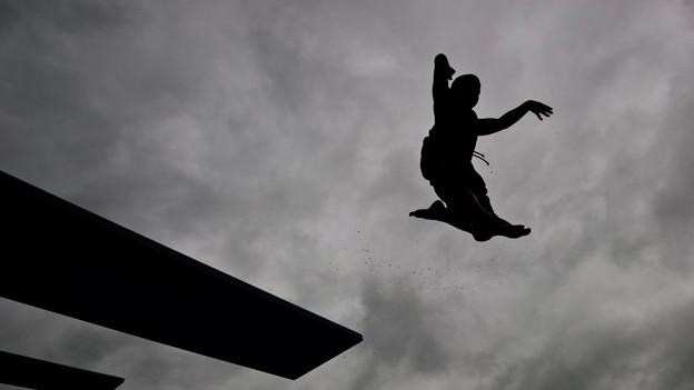 Schlechtes Wetter im Schwimmbad: In diesem Sommer der Standard.
