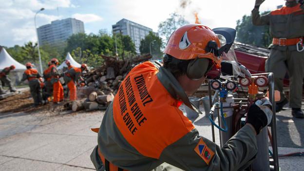 Zivilschützer unterstützen Feuerwehr und Sanität bei Katastrophen: Doch es fehlt an Personal. Das soll nun ändern.