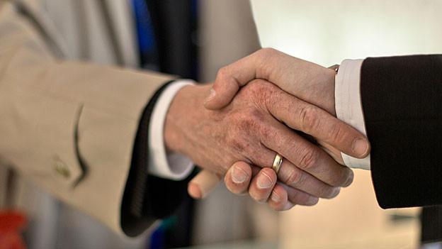 Zusammenarbeiten oder mehr? Zehn Gemeinden um Aarau prüfen Kooperationsformen.