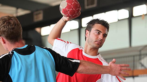 Handballspieler im Training