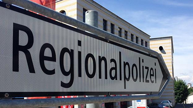 Strassenschild mit Aufschrift Regionalpolizei