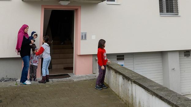 Asylsuchende in Aarburg: Noch kümmern sich Bund und Kantone finanziell um diese Menschen.
