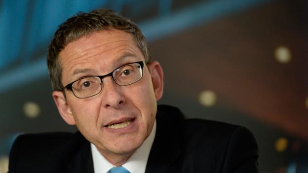 Regierungsrat Urs Hofmann hinterfragt Milizsystem in Gemeindepolitik.
