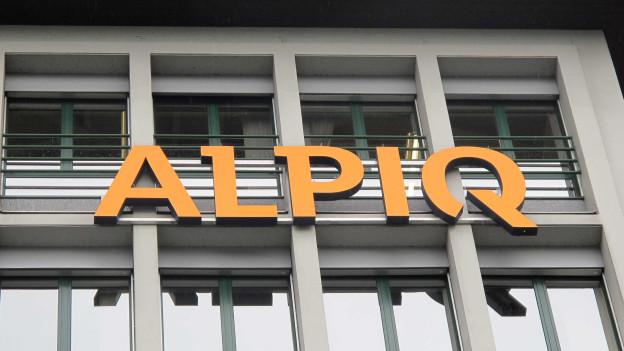 Gelbes Alpiq-Logo auf einem der Alpiq-Gebäude.