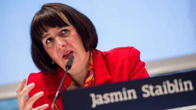 CEO Jasmin Staiblin spricht an der Bilanzmedienkonferenz des Energiekonzerns Alpiq am Montag, 9. Maerz 2015, in Zuerich. Die Alpiq Gruppe hat im Geschaeftsjahr 2014 einen Nettoumsatz von 8058 Millionen CHF und vor Sondereinfluessen ein EBITDA von 609 Mio. sowie ein Reinergebnis von 145 Mio. erzielt.