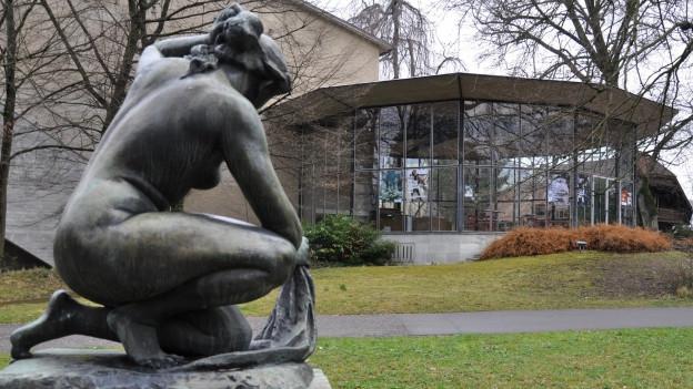 Das Kurtheater Baden - im Bild das berühmte und denkmalgeschützte Glasfoyer der Architektin Lisbeth Sachs.