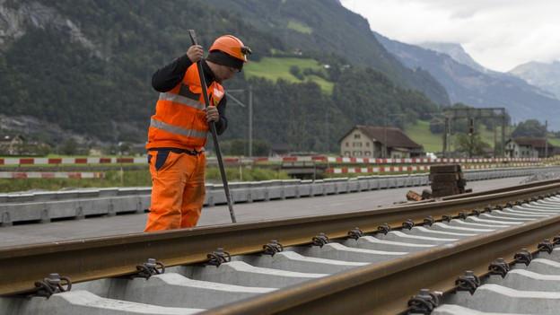 Gleisbauer bei der Arbeit: Diese brauchen Nachwuchs.