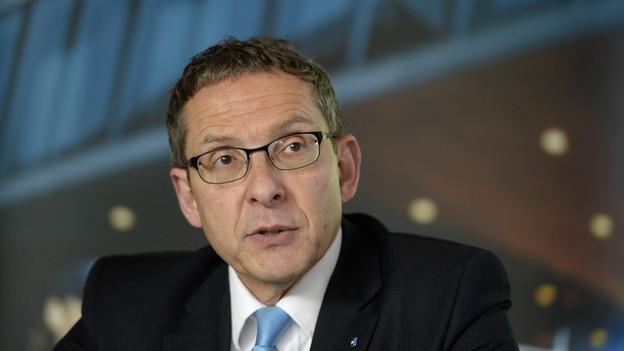 Polizeidirektor Urs Hofmann stärkt seinen Beamten den Rücken: «Sie sind die Profis. Wir müssen ihnen vertrauen.»