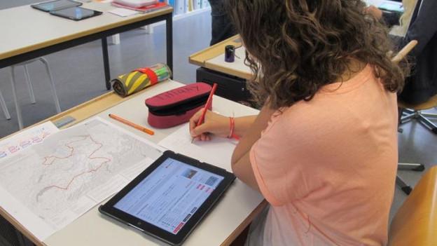 So lernen Schüler heute die Geografie der Schweiz: Mithilfe des SBB-Online-Fahrplans planen sie eine Tagesreise von Solothurn durch alle Regionen wieder zurück.