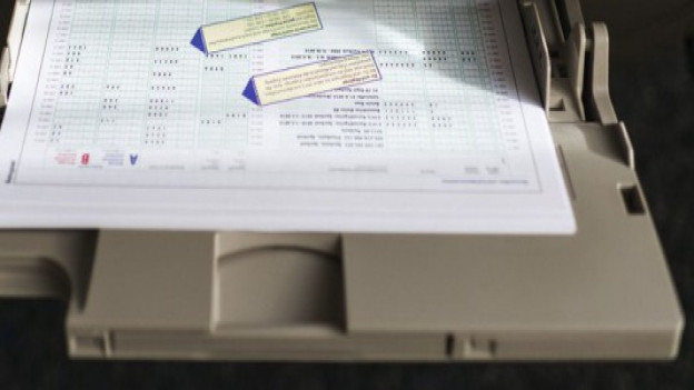 Steuerdaten Kanton Solothurn: Scannen weiterhin extern - archivieren aber intern.