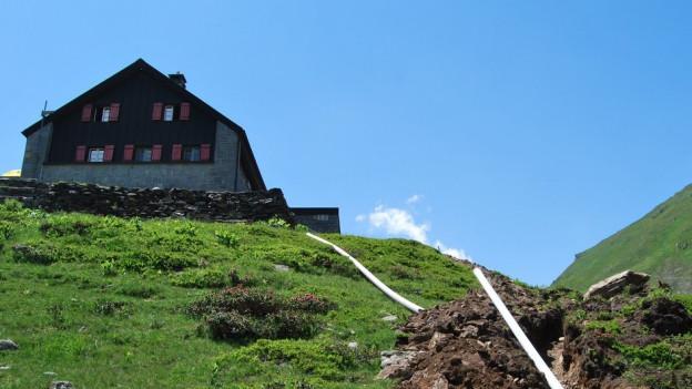 Am Montag haben die Grabungsarbeiten bei der Vermigelhütte oberhalb von Andermatt begonnen.