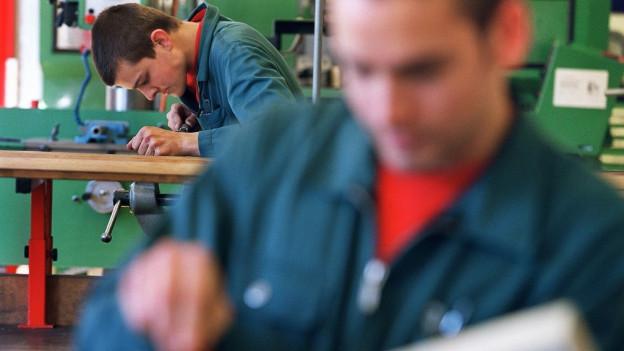 Einige Branchen haben mehr Mühe ihre Lehrstellen zu besetzen als andere.
