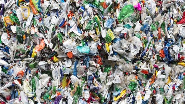 Allerhand wiederverwertbarer Abfall will Recyclingfux bei Aargauer Haushalten und KMU's abholen. Gegen Geld.