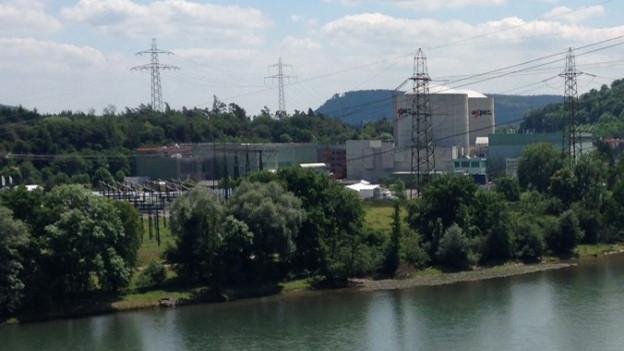 Beznau erzeugt pro Jahr rund 5 Milliarden Kilowattstunden Elektrizität. Dazu werden acht Gemeinden mit Abwärme versorgt.