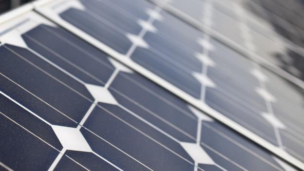 Solarzellen auf Lärmschutzwänden: «Nicht wirtschaftlich», findet die Solothurner Regierung.