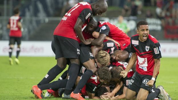 Endlich! In der 7. Runde kann der FC Aarau den ersten Saisonsieg feiern.