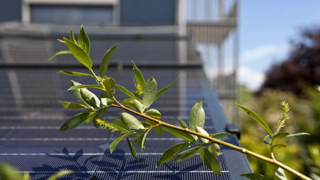 solaranlagen auf dem eigenen dach lohnen sich weniger regionaljournal aargau solothurn srf. Black Bedroom Furniture Sets. Home Design Ideas