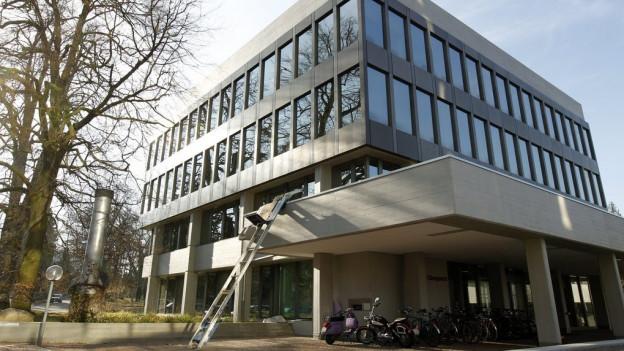 Blick auf Gebäude Obergericht