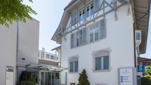 Die Privatklinik Obach in Solothurn wehrt sich mit einer Beschwerde gegen einen Entscheid der Regierung.
