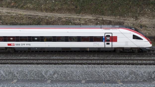 Die Züge sollen künftig durch einen 30 Kilometer langen Tunnel durch das Reusstal von Aarau nach Altstetten.